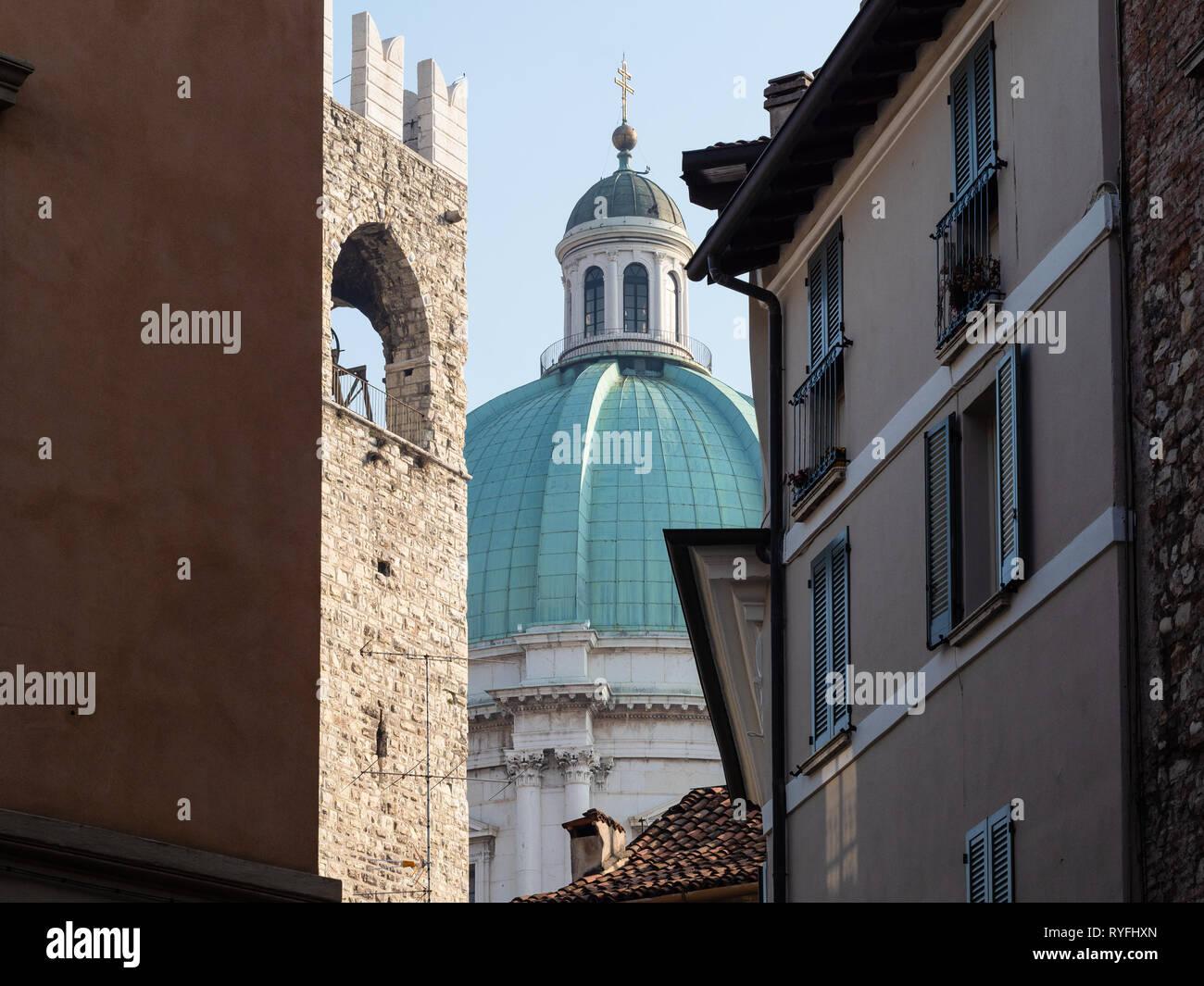 Viaggiare In Italia Vista Cupola Del Duomo Nuovo La Nuova