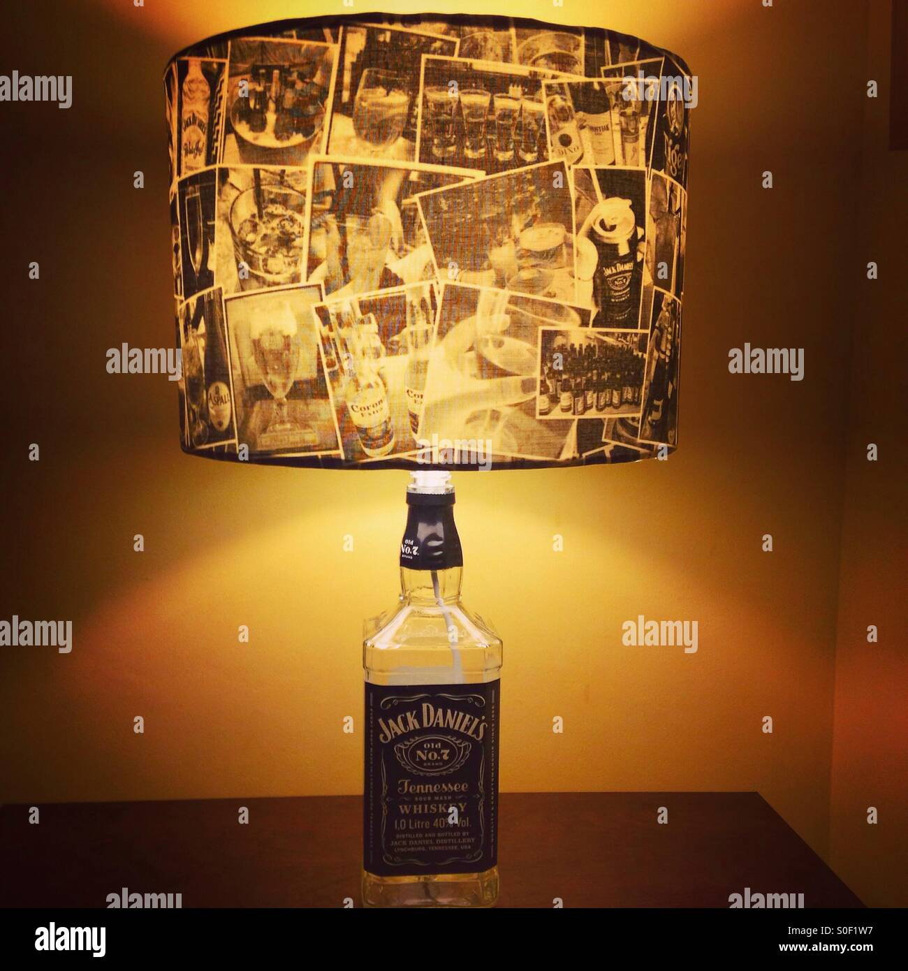 Jack Daniels Lampada Bottiglia Foto Immagine Stock