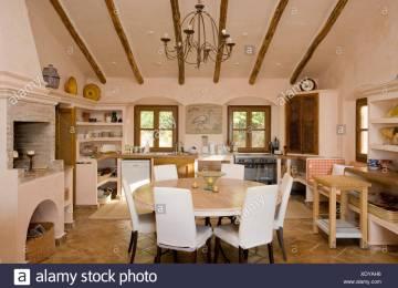 Sala da pranzo luce calda o fredda lampade per il tavolo da pranzo