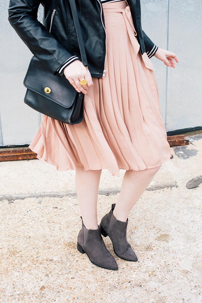 austin style blogger blush midi skirt moto jacket12