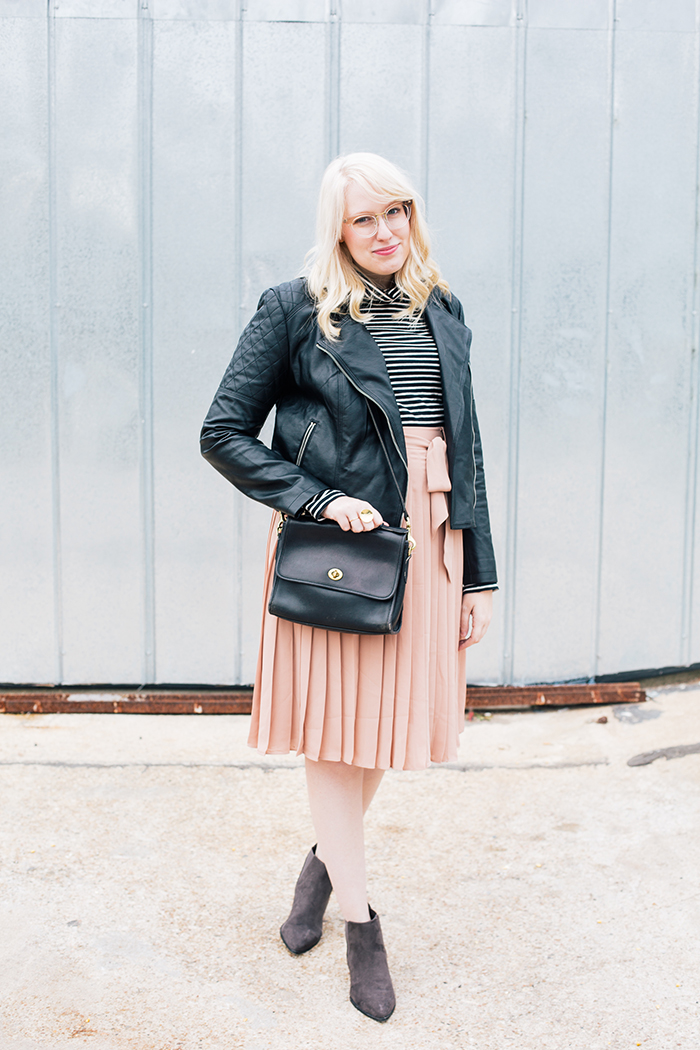 austin style blogger blush midi skirt moto jacket6