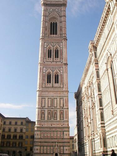 Campanile de Giotto en la Piazza del Duomo. ViajerosAlBlog.com.