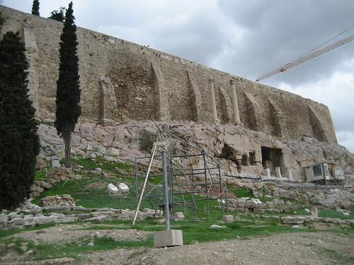 Acrópolis de Atenas desde su parte inferior. ViajerosAlBlog.com.