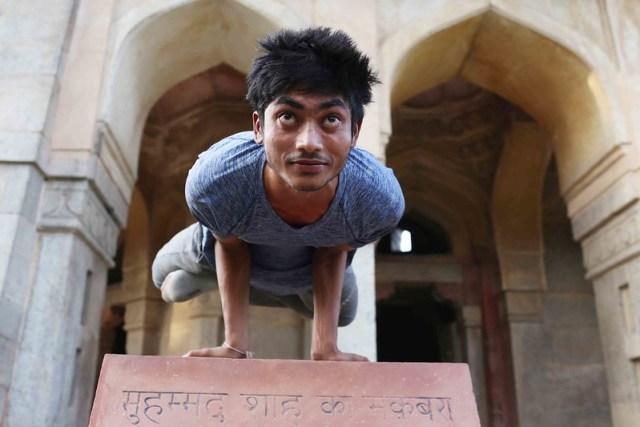 City Moment – Yoga Homage to Emperor Muhammad Shah, Lodhi Gardens