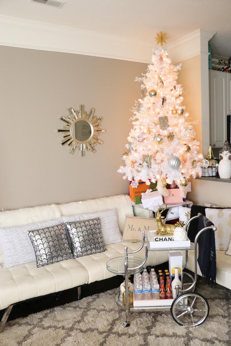 apartment-holiday-decor-1