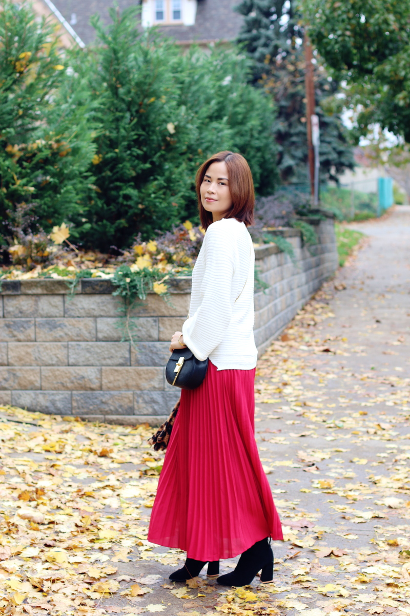 red-pleated-skirt-white-sweater-5