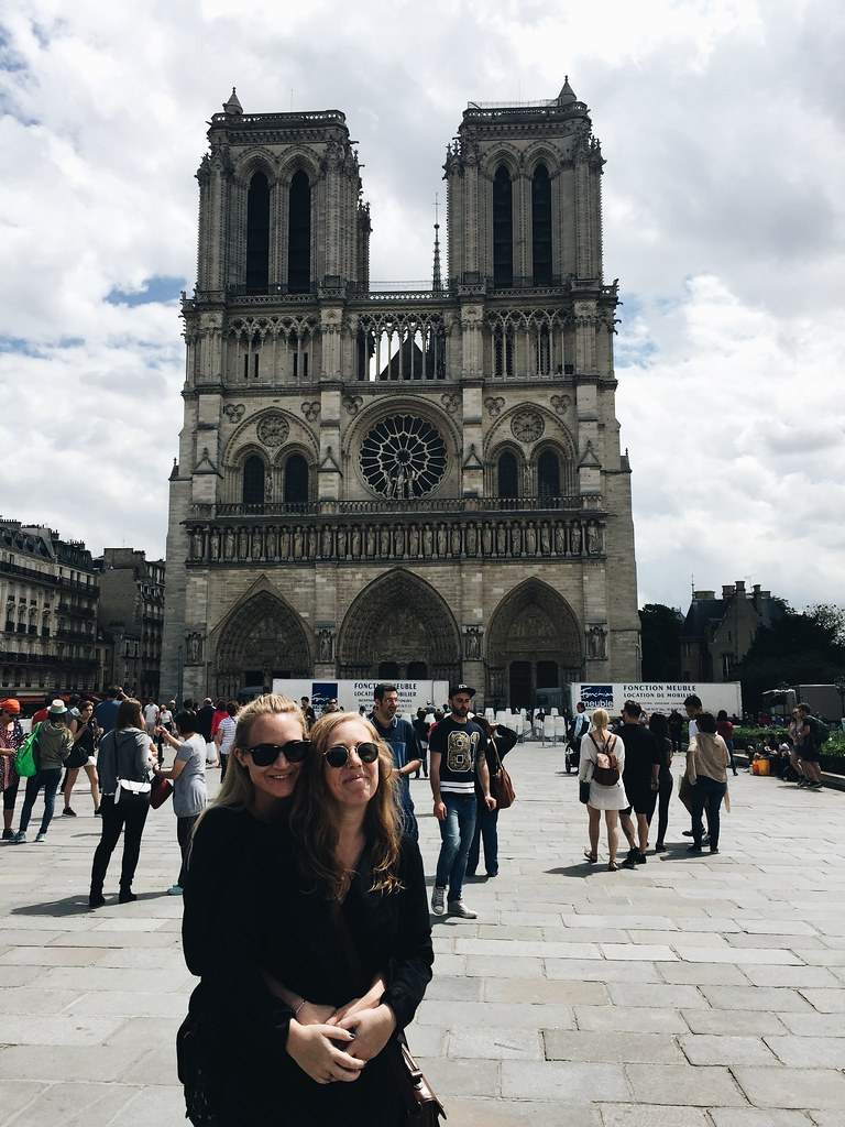 Paris 2016 me lina Notre Dame