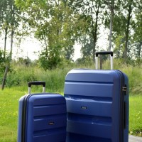 "Packing for a holiday with the American Tourister suitcases from ""Duifhuizen tassen en koffers"""