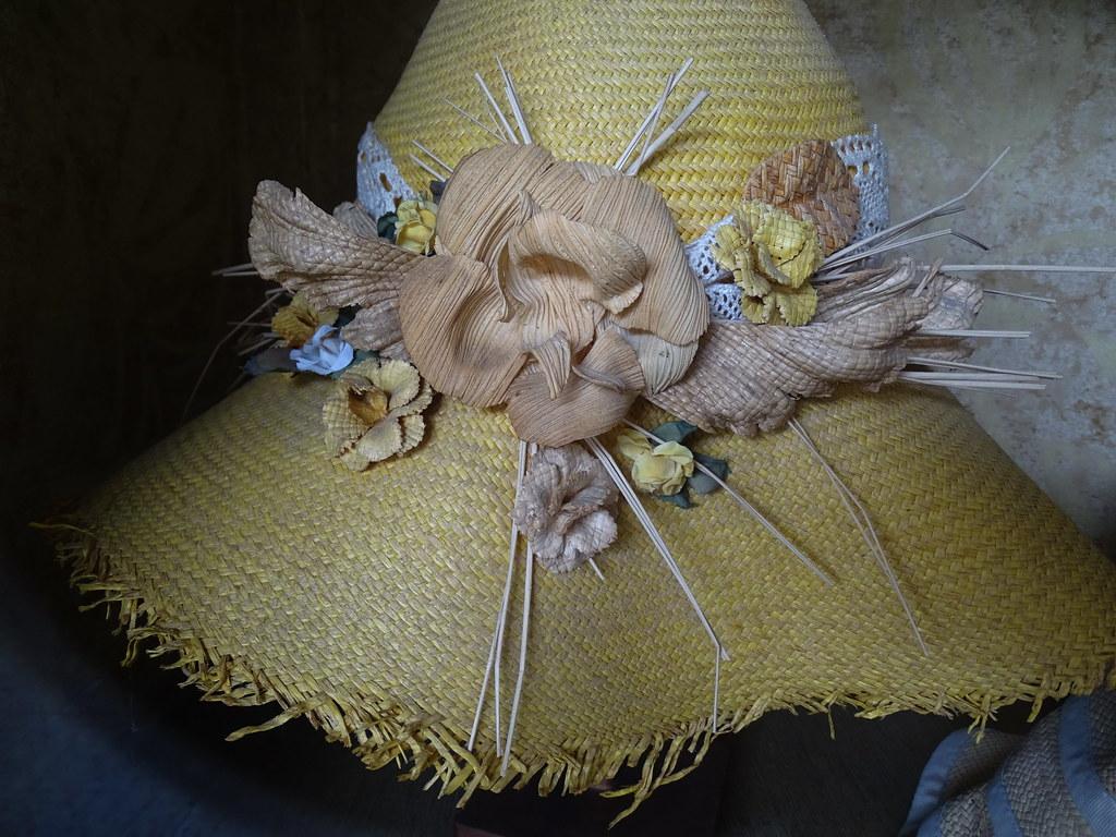 Museo Magia del Sombrero de Paja Toquilla Homero Ortega modelos Cuenca Ecuador 07