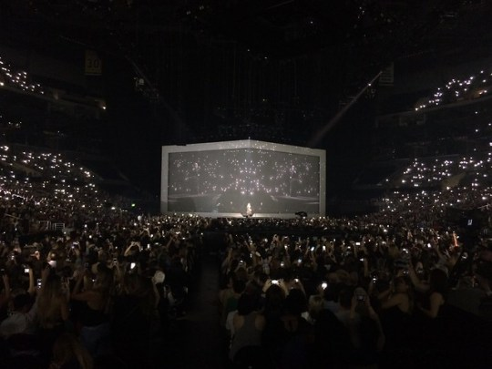flashlights out for adele