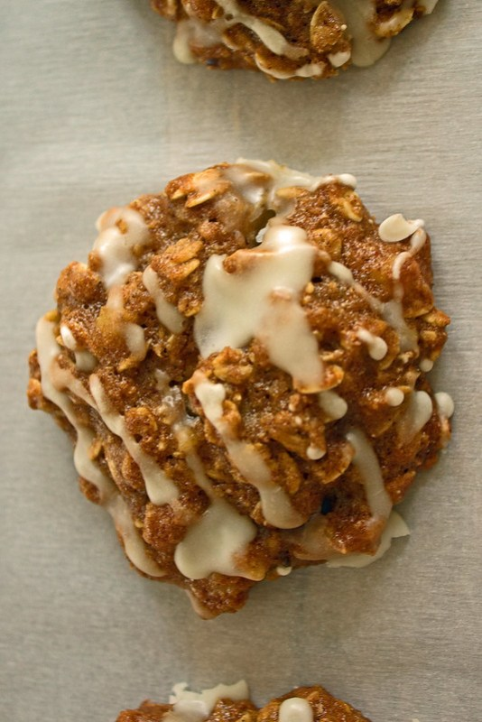 another close up of apple cinnamon oatmeal cookies