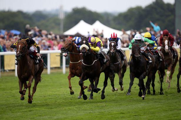 Frankie-Dettori-riding-Undrafted-left-before-winning-the-Diamond-Jubilee-Stakes