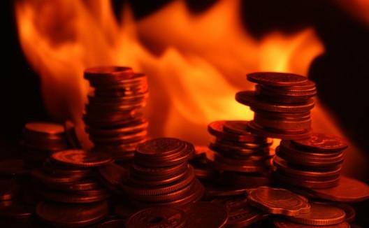 burning-money-528x326