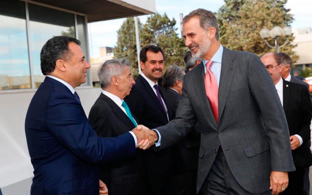 Felipe VI impulsa en Figueruelas el lanzamiento del nuevo Corsa