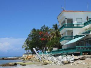 Erosion de la playa al frente del Hotel Sans Souci
