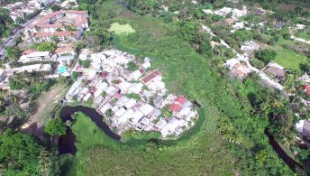 El trazado original del canal bordeando Bario Blanco.