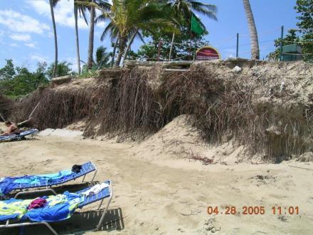 La playade Punta Goleta en 2005 antes de la generacion de la playa