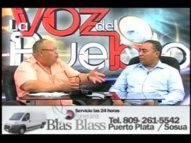 Jorge Espaillat en la izquierda, presidente del PLD en Cabarete