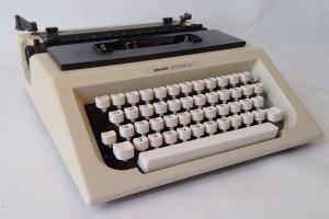 Máquina de escribir olivetti lettera 40 de ocasión en cabauoportunitats.com
