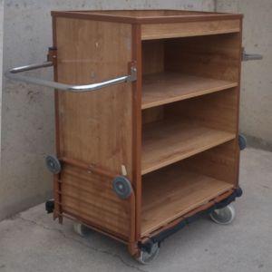 Carro de fusta de 4 estantes de ocasión en cabauoportunitats.com