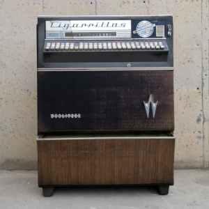 Màquina de tabac antiga WURLITZER 100x50cm a cabauoportunitats.com Balaguer - Lleida - Catalunya