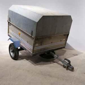 Remolc amb caixa tancada ERDÉ 110x90cm de segona mà en venda a cabauoportunitats.com Balaguer - Lleida - Catalunya