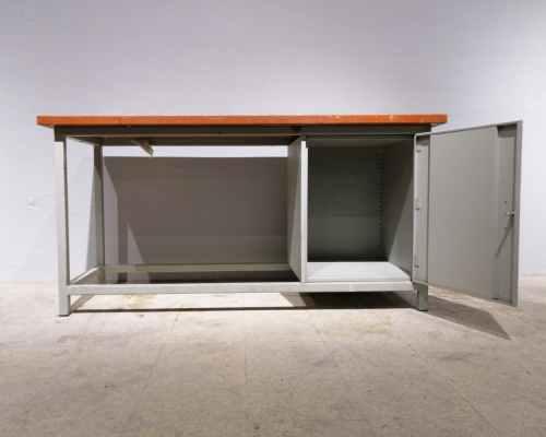 Banc de treball metàl·lic amb armari de 180x70cm en venda a cabauoportunitats.com Balaguer - Lleida - Catalunya