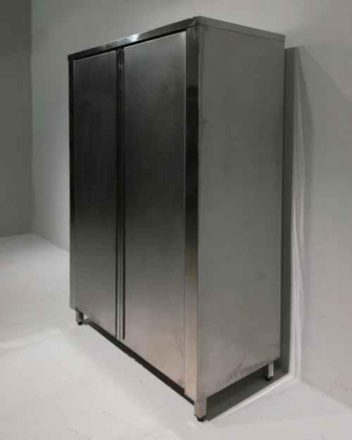 Armari d'acer inoxidable de 125x60x202cm de segona mà en venda a cabauoportunitats.com Balaguer - Lleida - Catalunya