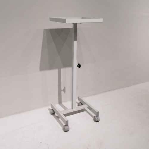 Carro per a projector nou en venda a cabauoportunitats.com Balaguer - Lleida - Catalunya
