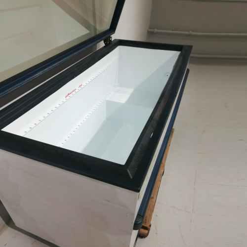 Congelador expositor horitzontal de 164cm de segona mà en venda a cabauoportunitats.com Balaguer - Lleida - Catalunya