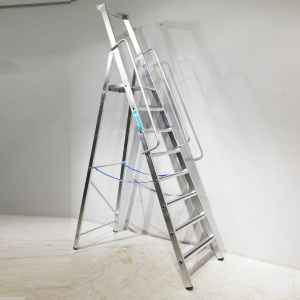 Escala de tisora de 207cm d'alçada nova en venda a cabauoportunitats.com Balaguer -Lleida - Catalunya