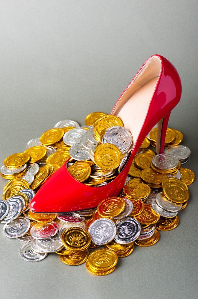 銀座クラブの日給相場、平均的な給料