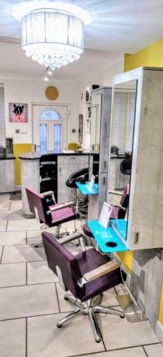 Cabelo hair salon internally