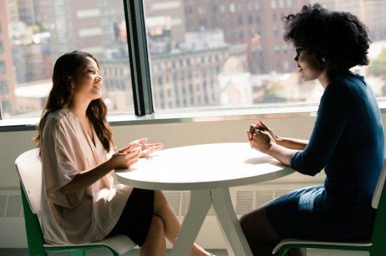 Article sur l'importance d'agir à trois niveaux en travail social - Cabinet Social - Stéphanie LADEL