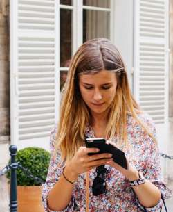 Organisme femme téléphone mobile centre d'aide - Cabinet Social Stéphanie LADEL