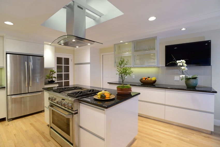 White High Gloss Painted Slab Frameless Kitchen Cabinets