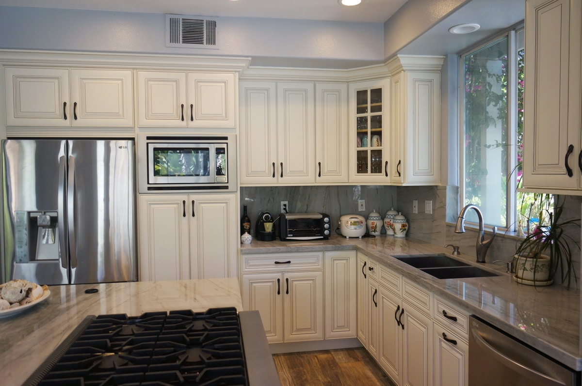 How To Antique White Kitchen Cabinets Antique White Painted