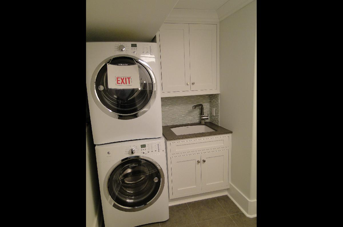 Laundry Room Cabinet Design Ideas
