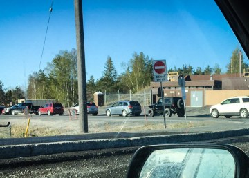 Traffic backs up along Yellowknife's Reservoir Road during a road closure in May 2018
