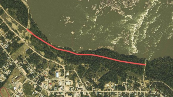 A Department of Lands photo identifying where new cracks have been observed along the Slave River riverbank in Fort Smith. GNWT Lands/Twitter