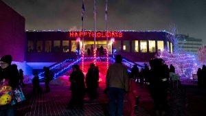 A file photo of Yellowknife City Hall at Christmas. Sarah Pruys/Cabin Radio
