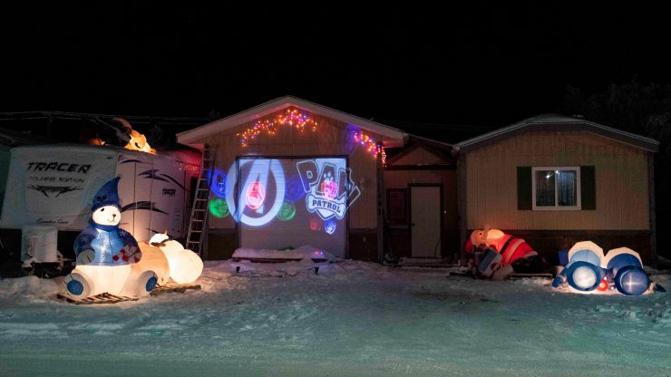 Yellowknife Christmas lights: Inflatables in various states on Magrum Crescent