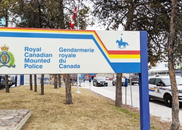 A file photo of the Yellowknife RCMP detachment. Sarah Pruys/Cabin Radio