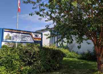 A file photo of the Hay River RCMP detachment in August 2019. Sarah Pruys/Cabin Radio