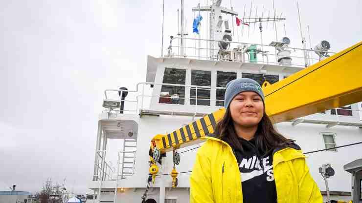 Taylor Schear on board Nahidik
