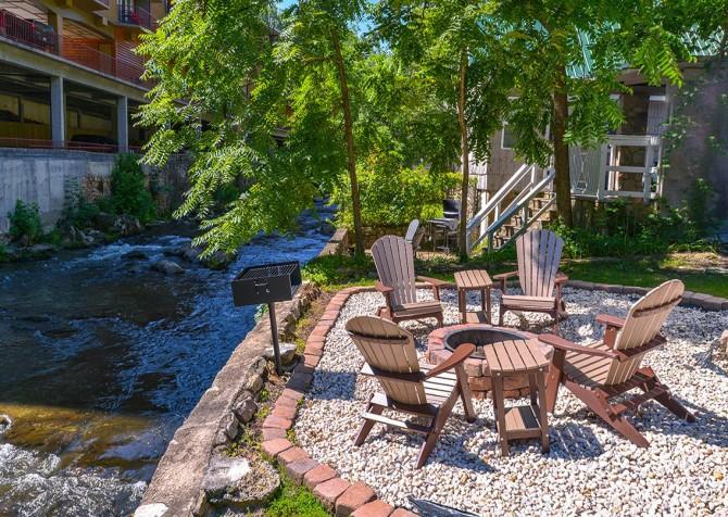 Gatlinburg Cabin River Romance