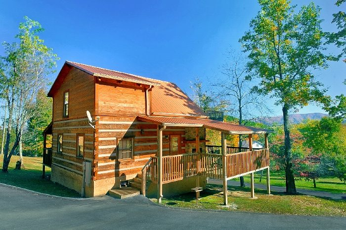 2 Bedroom Cabin on Wears Valley Road Close To Pigeon Forge