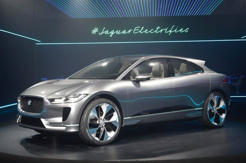jaguar-i-pace-at-la-auto-show-nov-2016