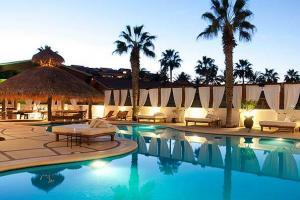 hotles and rental villas in cabo san lucas, bahia hotel pool