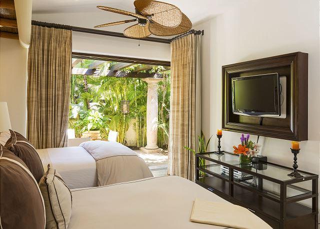 Casa Sahuaro en Cabo del Sol Luxury Rental Villas in Cabo San Lucas queen suite